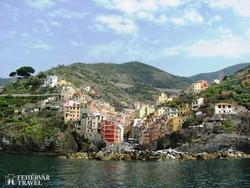 Riomaggiore a tenger felől