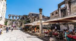 Split – a középkori óváros a római császári palota maradványaival