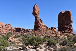 a Kiegyensúlyozott Szikla (Balanced Rock) az Arches Nemzeti Parkban