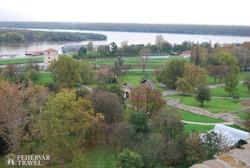 panoráma a Száva és a Duna összefolyására a belgrádi Kalemegdan-erődből