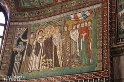kora középkori mozaik a ravennai San Vitale templomban
