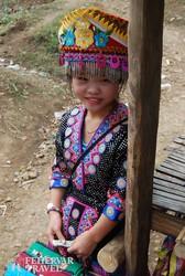Laosz – kislány a hmong törzs falujában