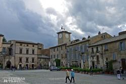 hangulatos tér Orvietóban