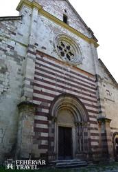 Bélapátfalva – az egykori ciszterci apátsági templom homlokzata