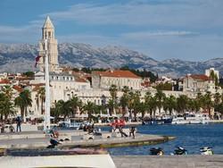 Split óvárosa a tenger felől