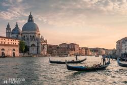 gondolák a Canal Grandén, Velence fő közlekedési útvonalán