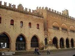 középkori palota Riminiben