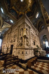 Loreto – a Szent Ház a bazilika kupolája alatt