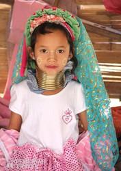 padong lány Észak-Thaiföldről