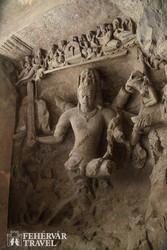 haragos Shiva dombormű Elephanta szigetén