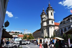 a minorita templom Eger főterén