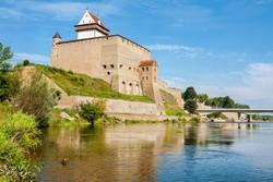 Narva vára az észt-orosz határon
