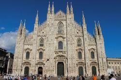 a milánói dóm impozáns épülete