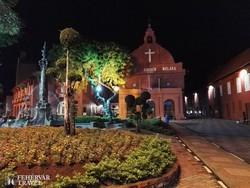 """Melaka: a """"Vörös tér"""" esti fényei"""