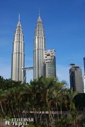 a Petronas tornyok Kuala Lumpurban