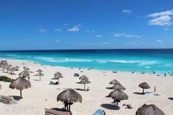 Cancún fehér homokos tengerpartja