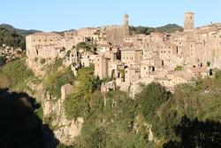 Sorano középkori óvárosa