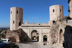 Spello ókori eredetű városkapuja