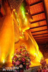Buddha-szobor a bangkoki Fekvő Buddha Templomában