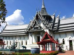 Thaiföld skanzenje – a Sanphet Prasat palota