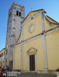 Motovun – a Szent István-temlom és harangtornya