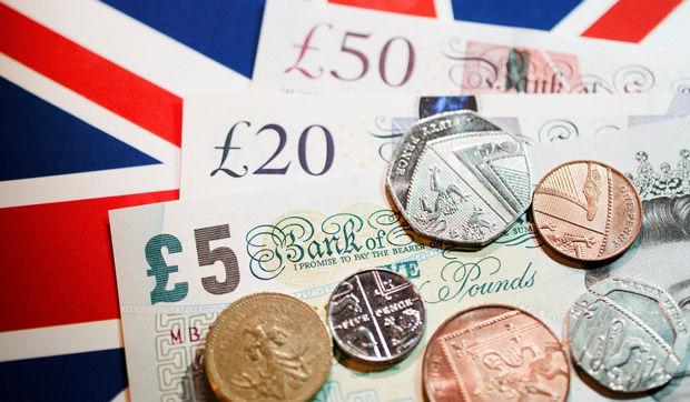 أظهر أول إصدار بيانات اقتصادية بعد إنسحاب المملكة المتحدة من مجموعة الإتحاد الأوروبي أن الاقتصاد الحقيقي في المملكة المتحدة سيعاني