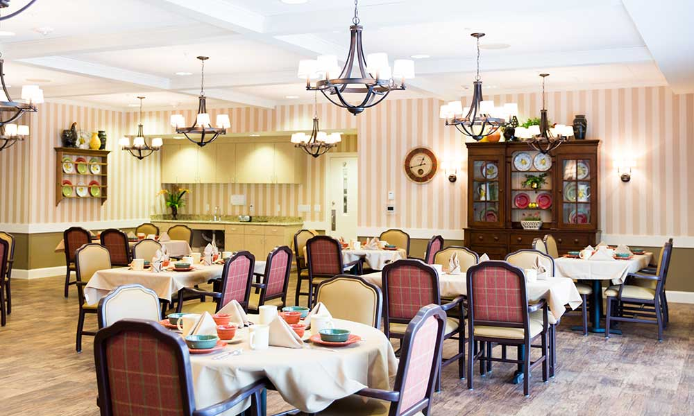 The dining experience at Juniper Glen Alzheimer's Special Care Center is exceptional!