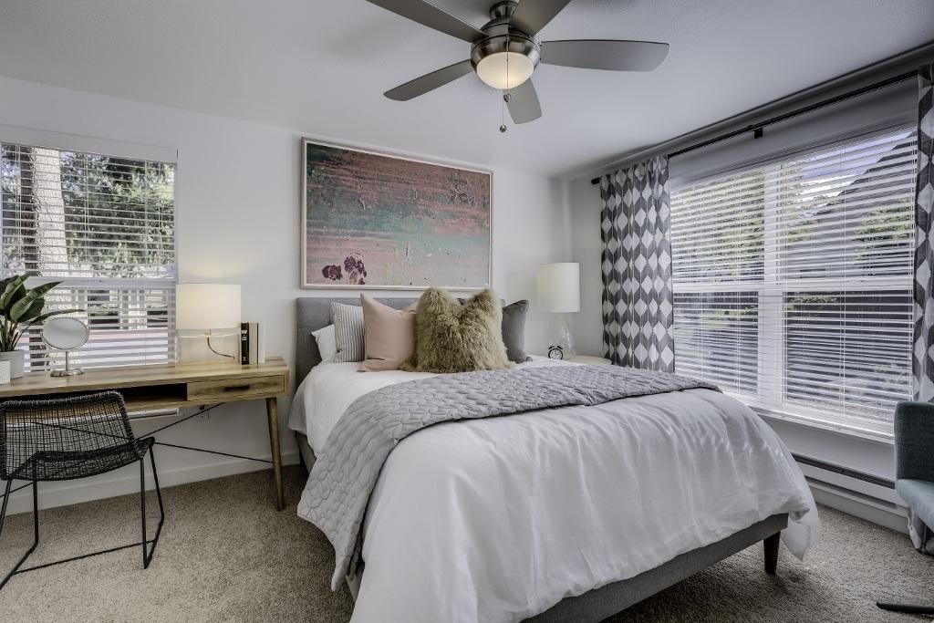 Spacious two bedroom apartments in Hillsboro