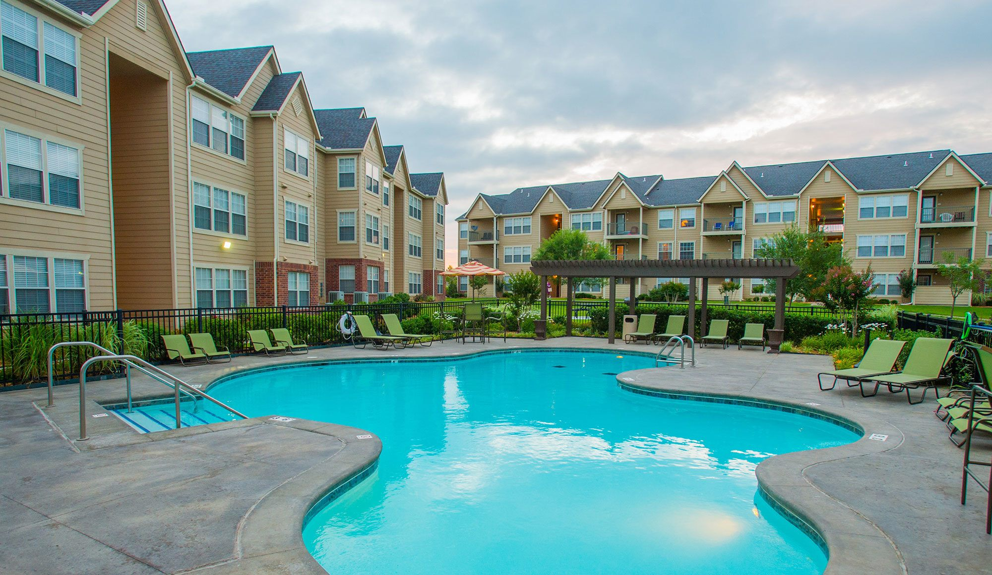 Owasso, OK apartments with a magnificent swimming pool