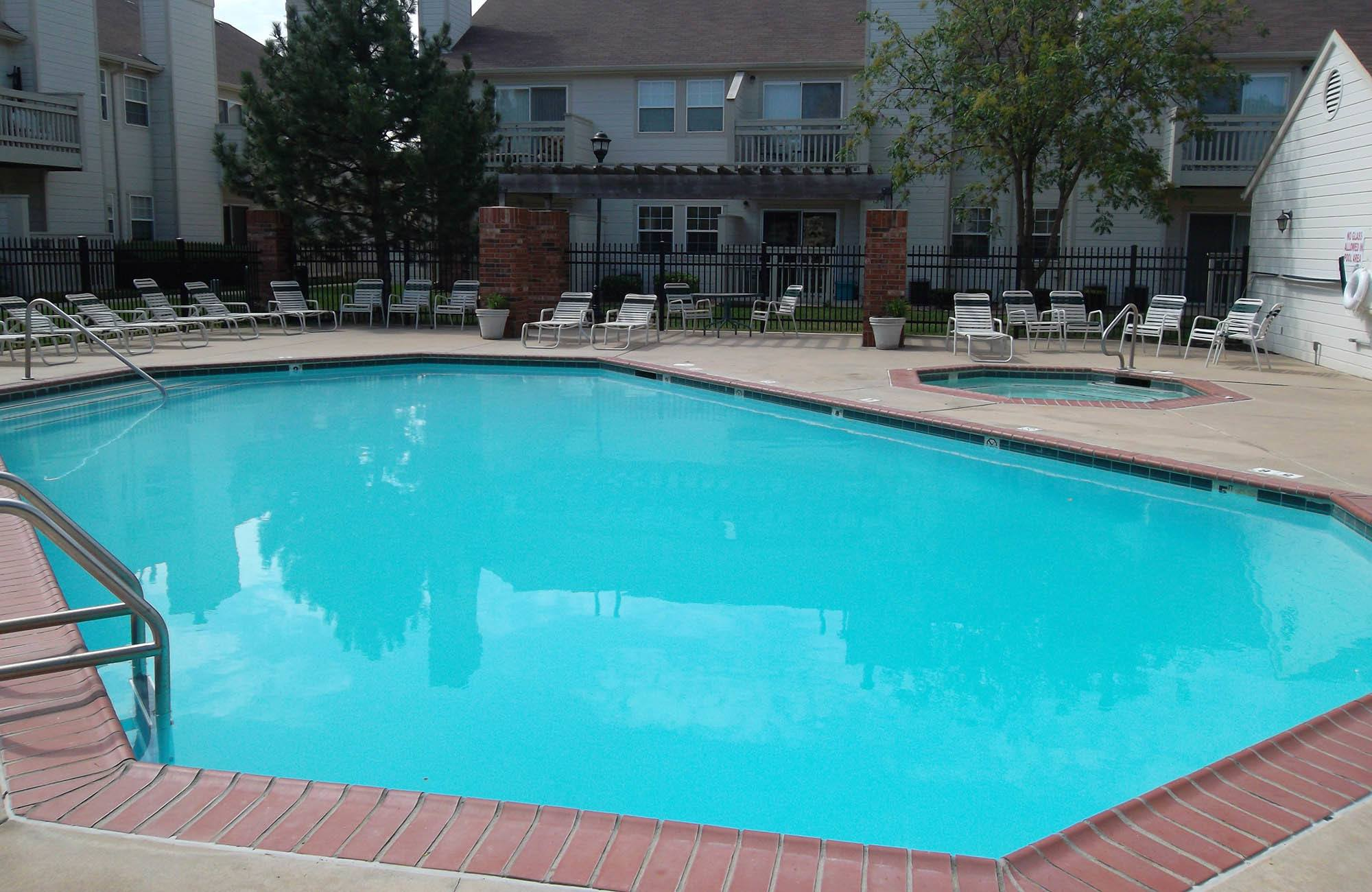 Huntington Park Apartments Swimming Pool in Wichita