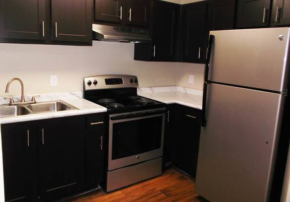 Lake Sweetwater Apartments feature stainless steel appliances