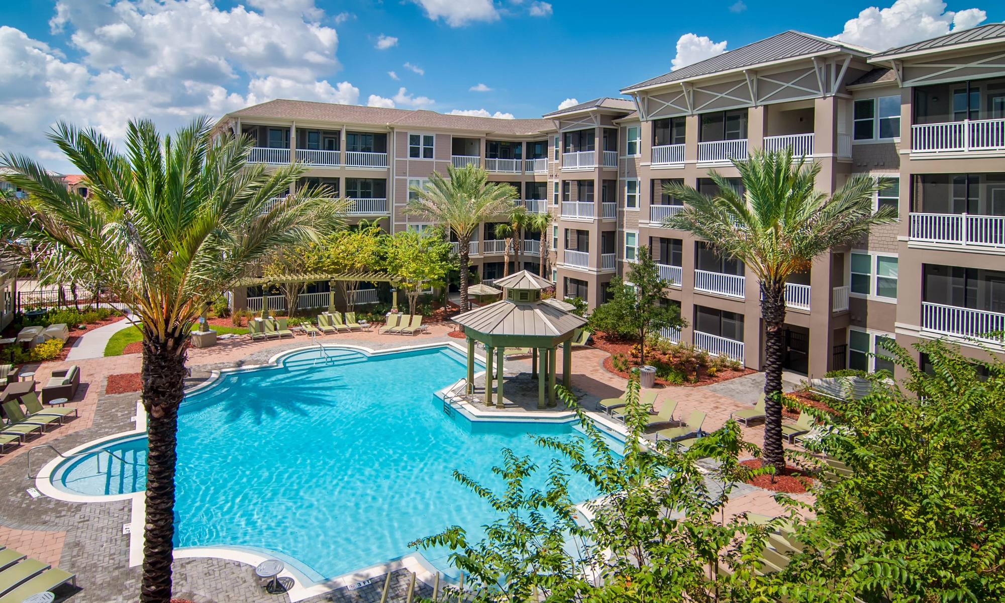 Azure Apartment Homes in St. Petersburg, FL