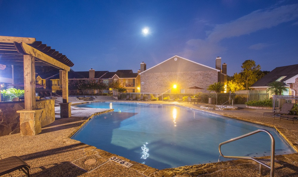Photos of briarwood village in houston tx apartments - Windsor village swimming pool houston tx ...
