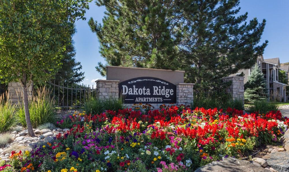 Front Entrance Sign at Dakota Ridge