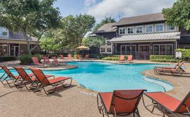 Austin apartments offering a swimming pool