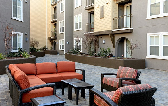 Outdoor lounge at our apartments in Walnut Creek