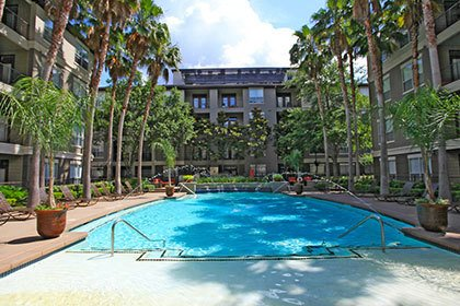 Houston apartments with sparkling swimming pools