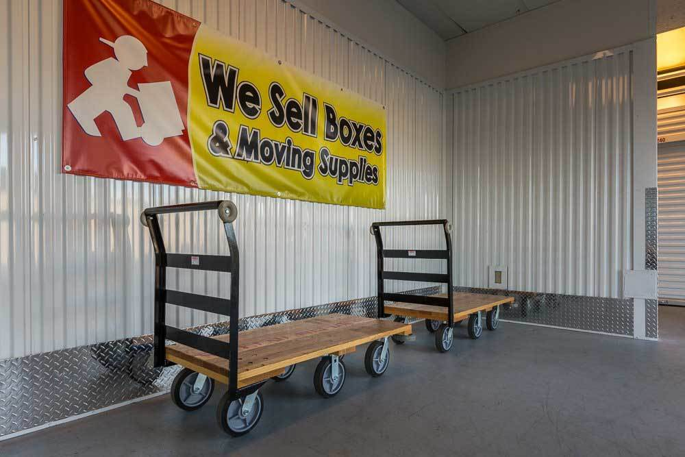 Mill Plain Heated Storage sells boxes!