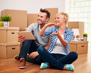 Couple preparing to move possessions in Puyallup, WA.