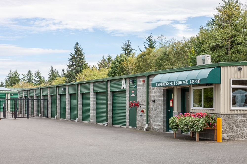 Exterior of self storage office in Bainbridge Island, WA
