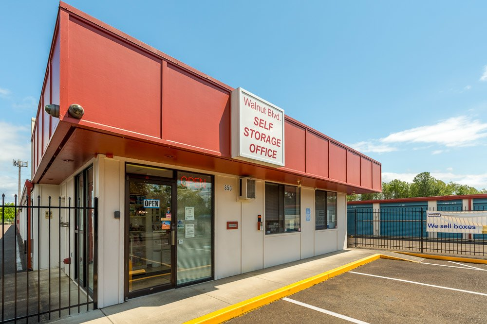 Exterior of self storage office in Corvallis, OR
