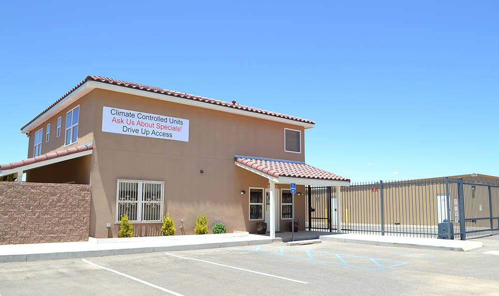 Exterior of self storage office in Rio Rancho, NM