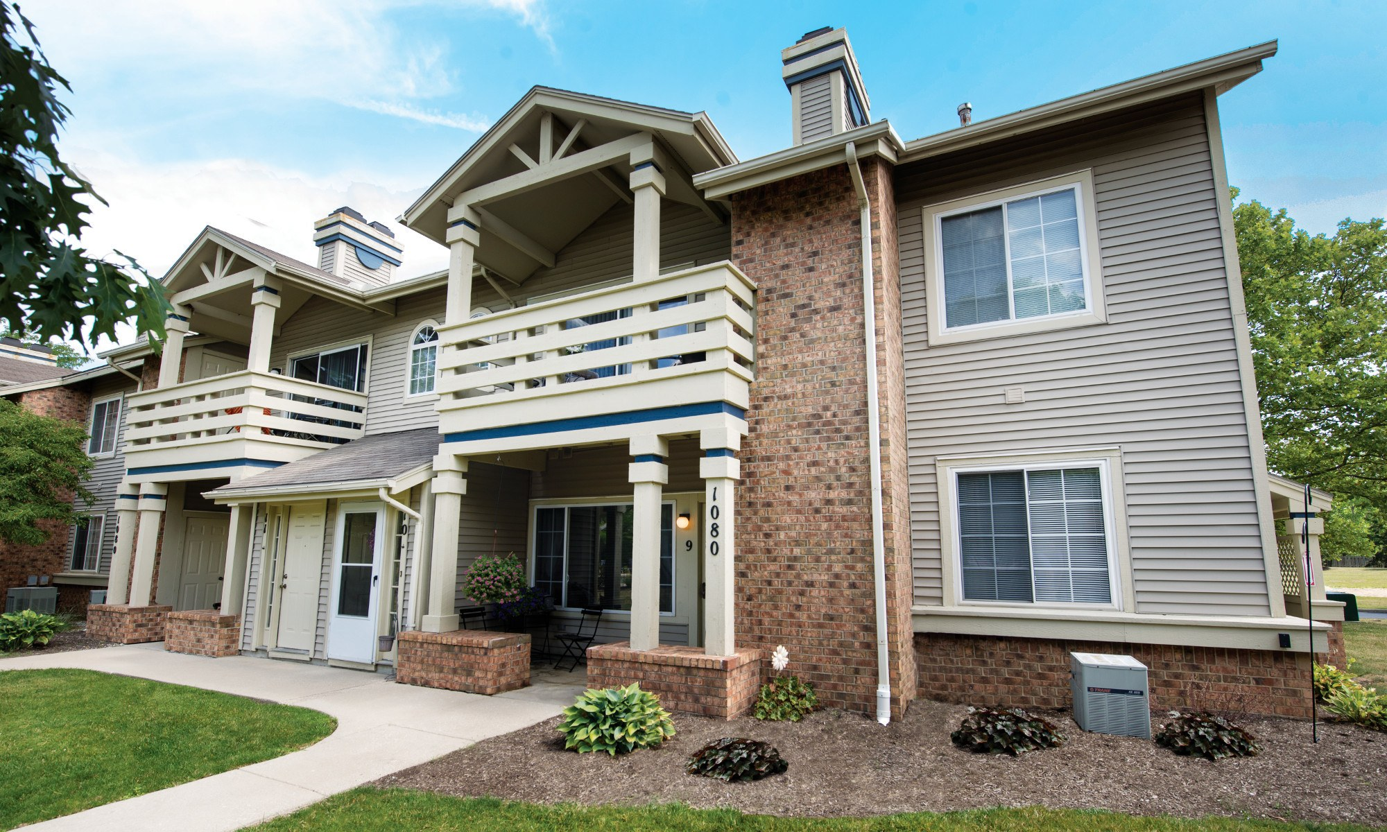 Welcome to Perry's Crossing Apartments in Perrysburg, OH