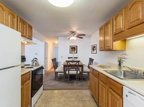 Example kitchen at Perinton Manor Apartments