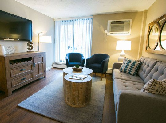 Visit the Solon Club Apartments Website