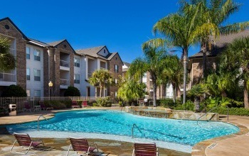 Visit the Veranda Apartments website, a Morgan Community