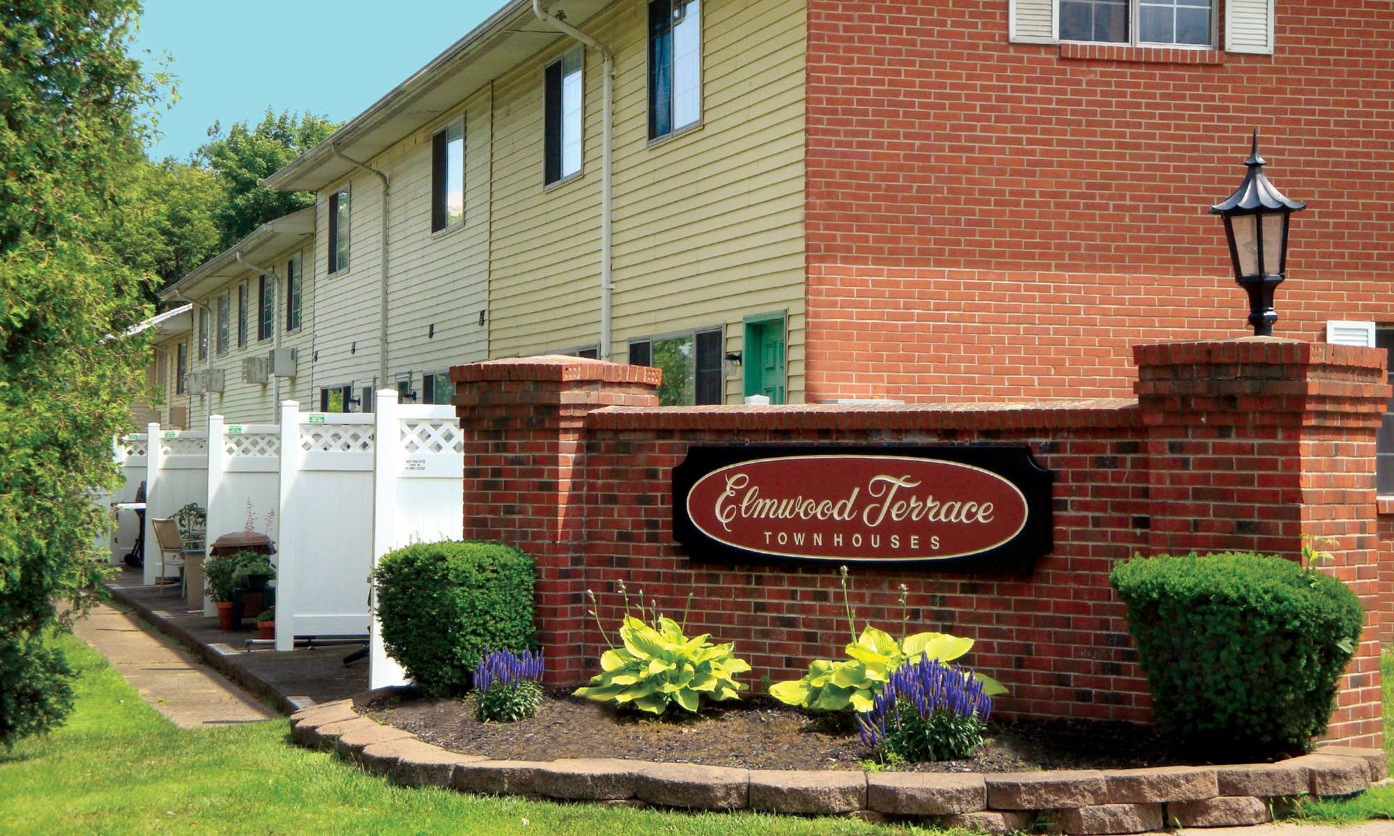 Highland park neighborhood rochester ny apartments for rent elmwood terrace apartments and - Terras appartement lay outs ...