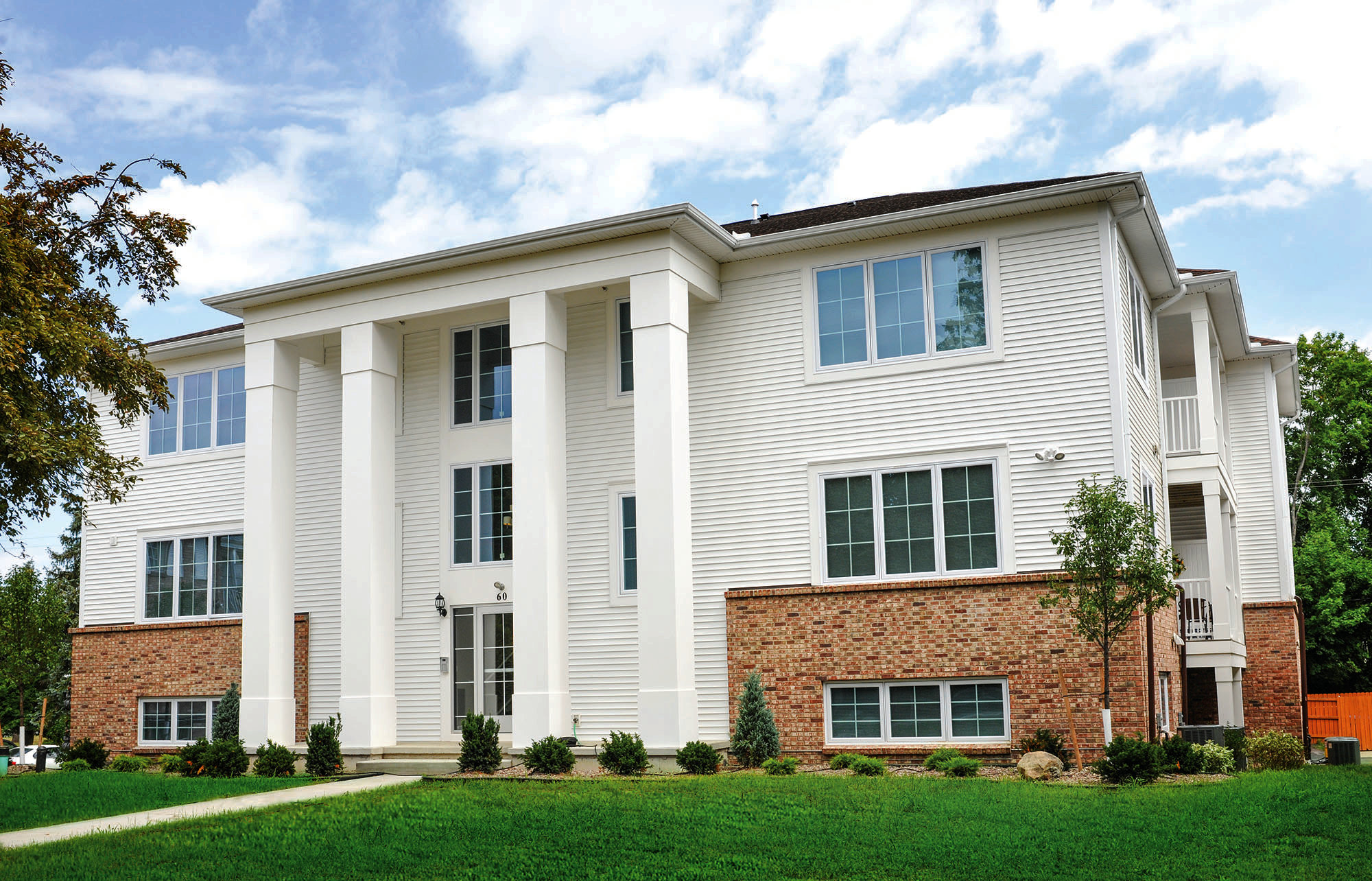 Welcome to Green Lake Apartments in Orchard Park, NY