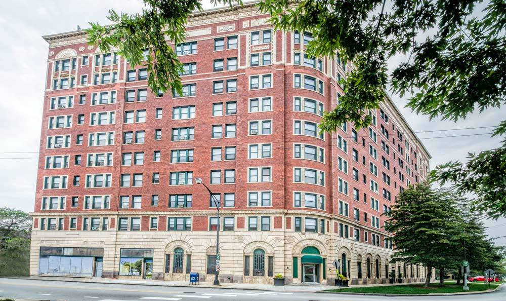 7100 South Shore Drive Apartments in Chicago