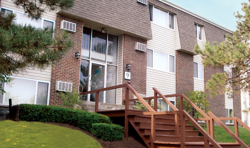 Exterior view of our apartments at Highland Club in Watervliet